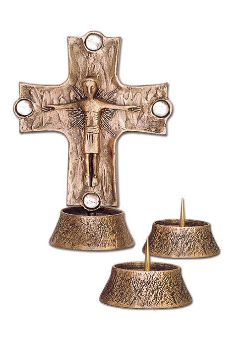 Altarkreuz mit passenden Leuchtern